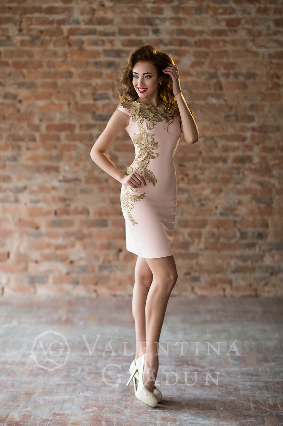 Abendkleid Apart Brautkleider Abendkleider Und Unterwasche Online Bestellen